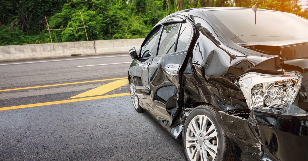 « S'il te plaît, papa, dépêche-toi » : Ce jeune homme réussit à signaler un accident avant de mouri