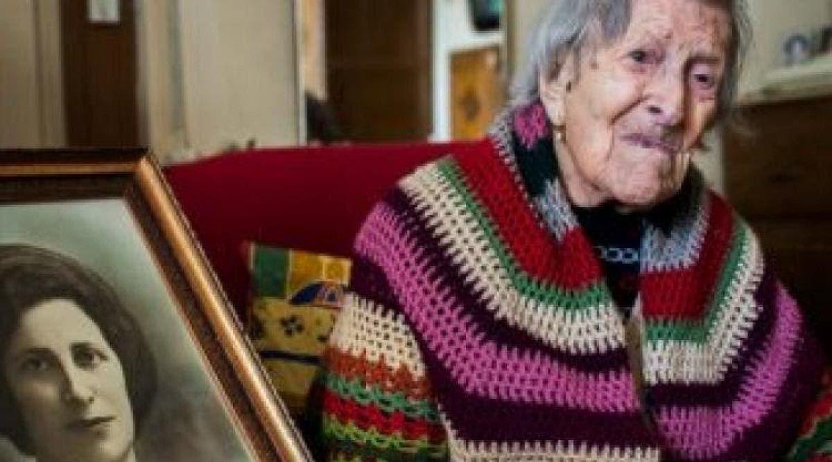 vieille femme vient de fêter ses 117 ans