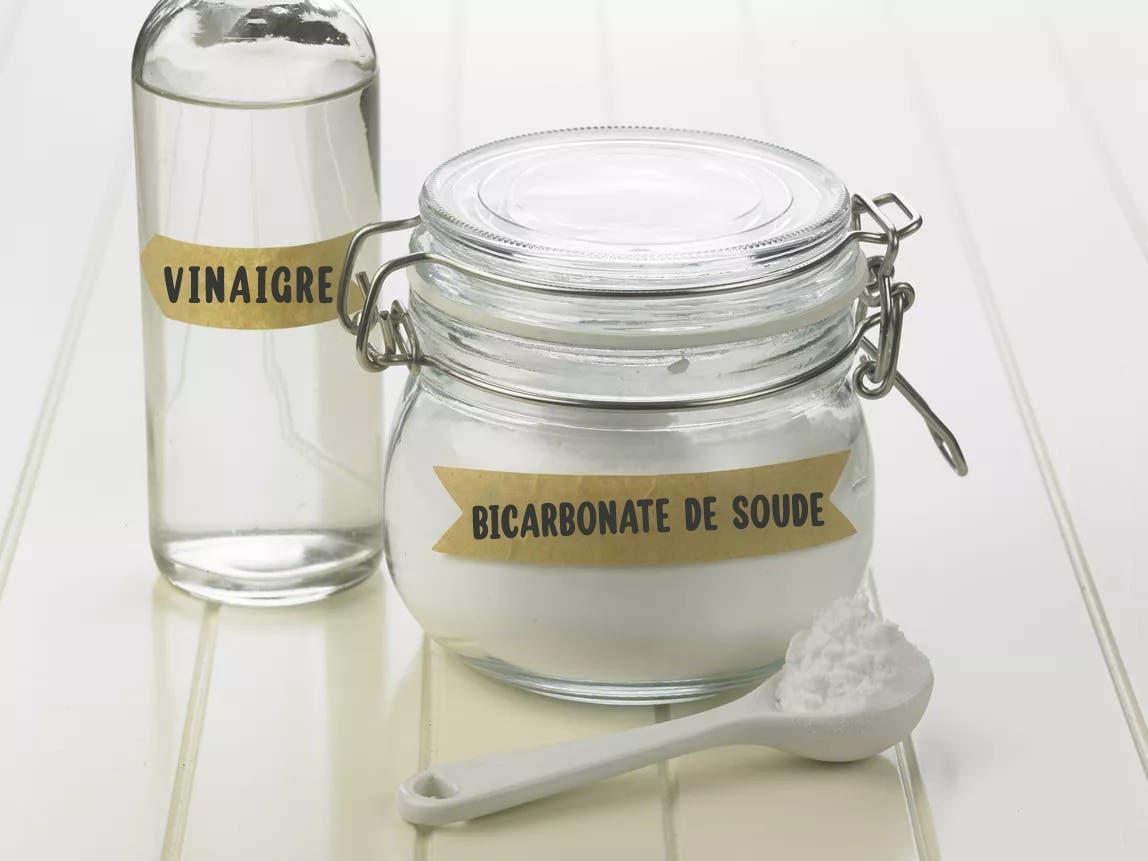 vinaigre bicarbonate