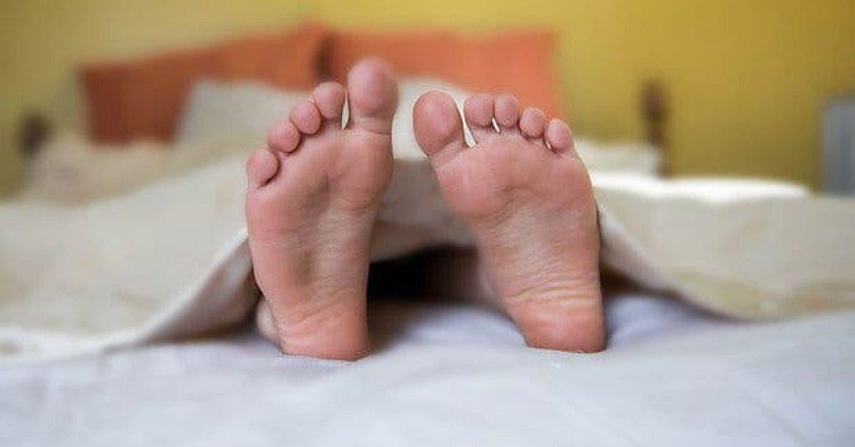 voici pourquoi il faut mettre un pied hors de la couverture pour mieux dormir 1