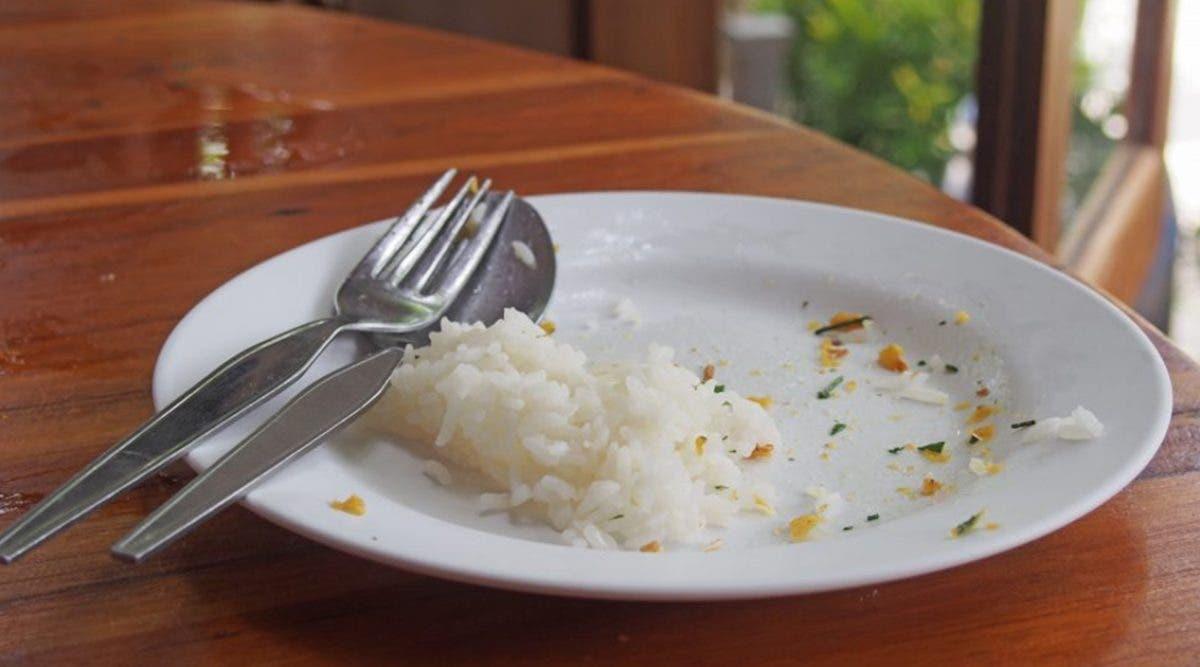 voici-pourquoi-il-ne-faut-pas-manger-les-restes-de-riz