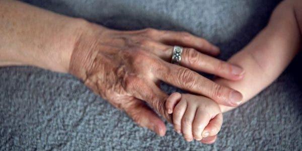 voici-pourquoi-la-grand-mere-maternelle-est-importante-dans-la-vie-dun-enfant