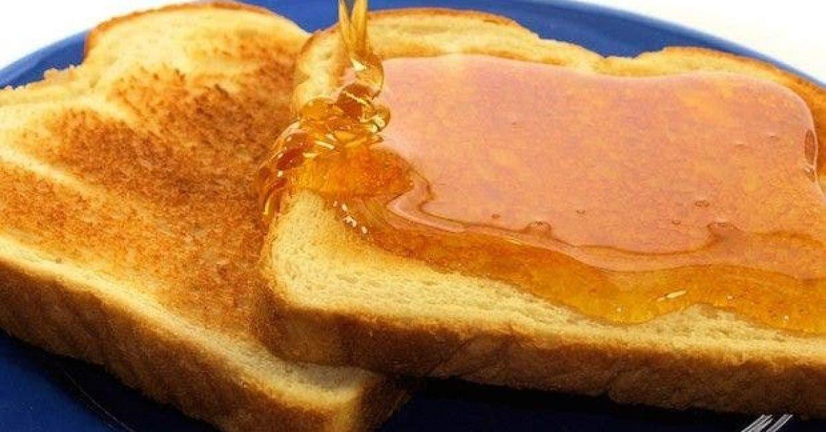 voici pourquoi vous devriez mettre du miel et de la cannelle sur votre tranche de pain chaque matin 1