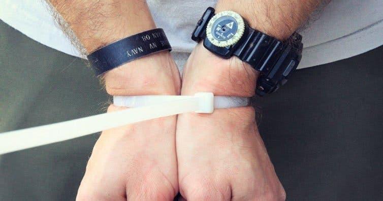 Si vos mains sont attachées pendant un enlèvement