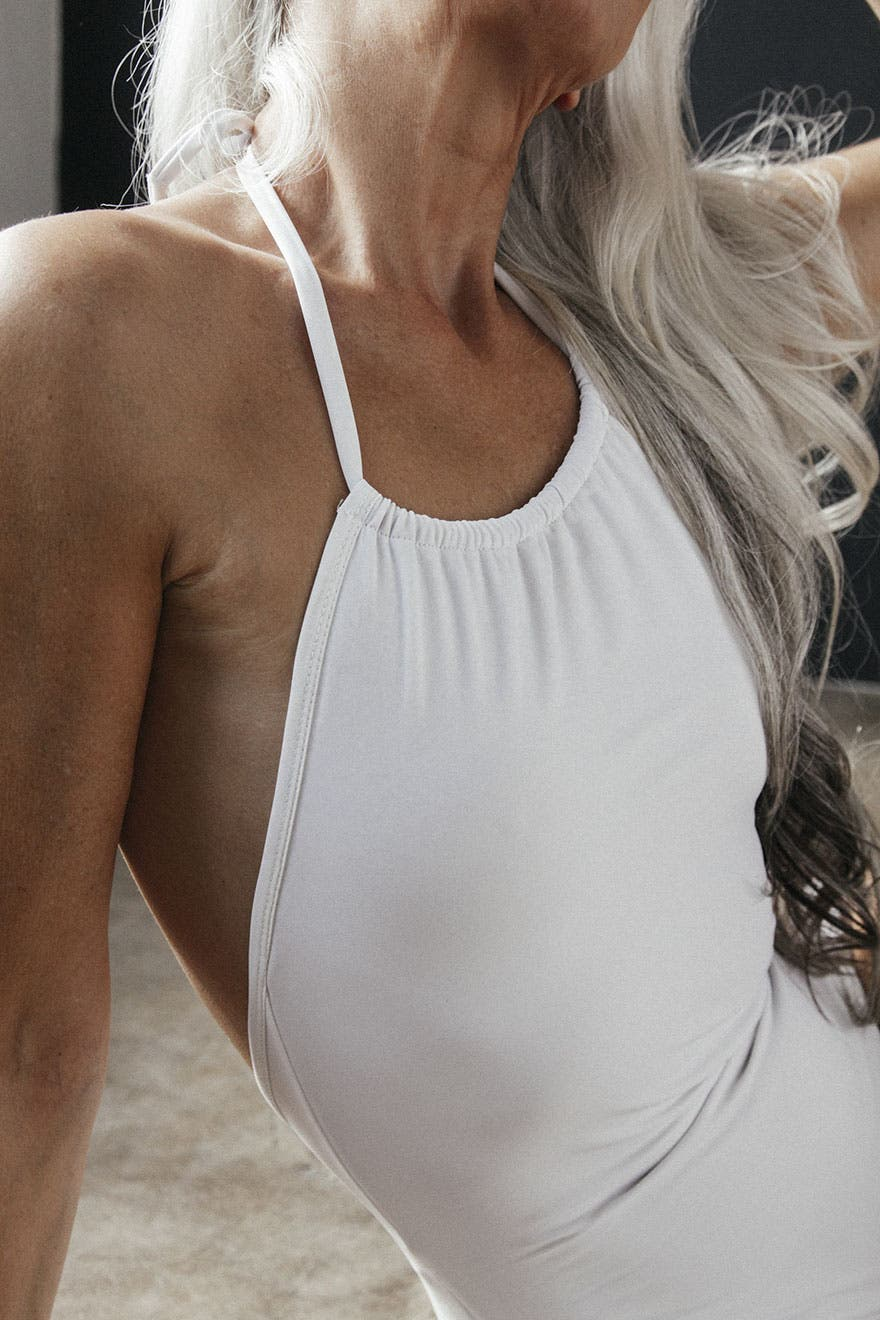 yasmina maillot blanc